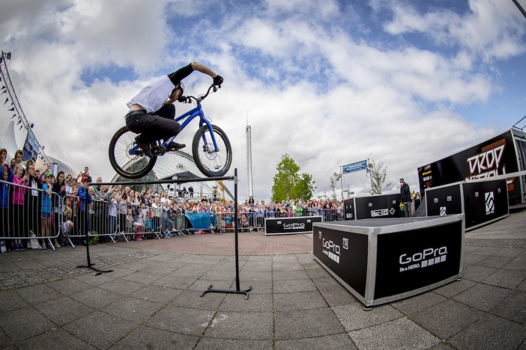 Permalink to Danny MacAskill: Drop and Roll in Deutschland