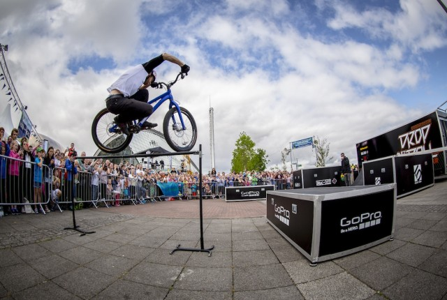 Danny MacAskill: Drop and Roll in Deutschland