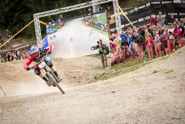 "UCI Worldcup Leogang - Gwin ""gwinnt"" ohne Kette!"