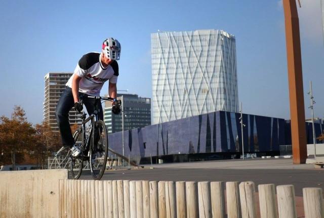 Videos: Roadbike Trial und Freestyle