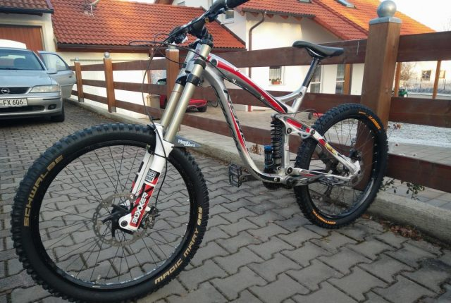 Verkauf: NORCO Aurum mit neuen Reifen & Top-Parts