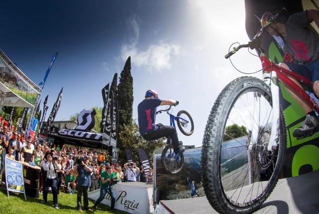 Danny MacAskill in Riva - Foto: Henning Angerer