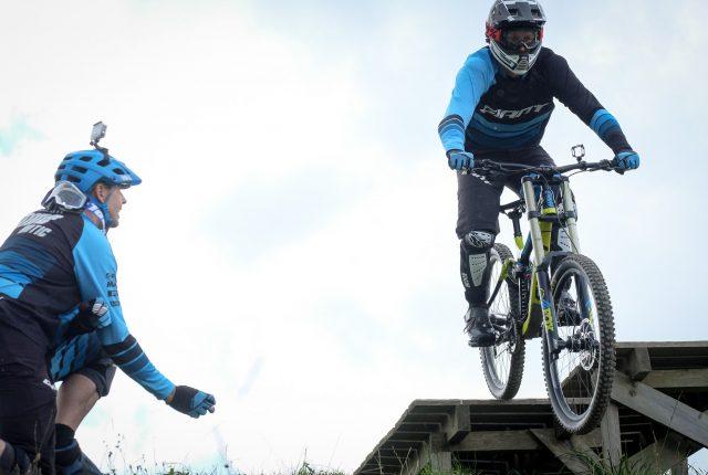 ChallengeX – ein Stuntman lernt das Biken!
